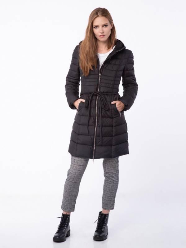 czarna kurtka płaszcz pikowany jesień zima 2018/2019 model Volcano
