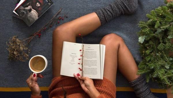 Najciekawsze książki na jesień 2018. Zaparz herbatę, weź miękki koc i zanurz się w słowach!