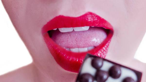 Co kolor języka mówi o Twoim zdrowiu? Wyjaśniają lekarze stomatolodzy
