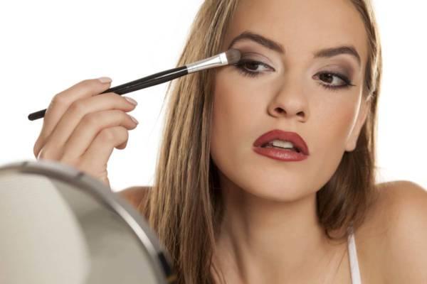 Jak Aplikować Cienie Makijaż Oka Dla Początkujących Kobietamagpl