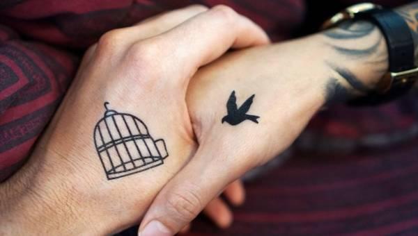Tatuaże na palcach i wewnątrz dłoni – nowy hit wśród miłośników ozdabiania ciała