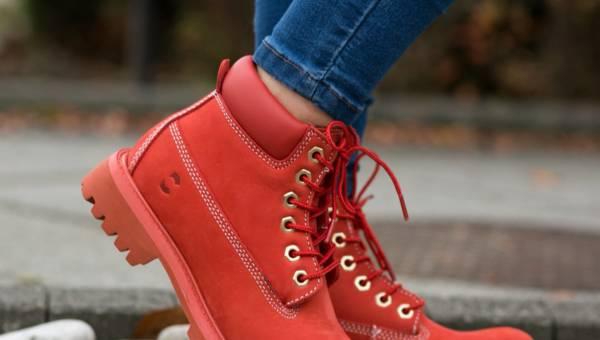 Jak nosić buty zimowe?