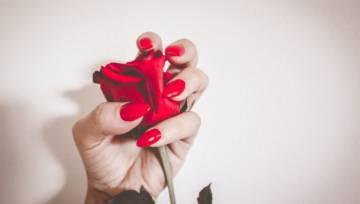 6 domowych sposobów na mocne paznokcie. Zobacz, co robić, aby się nie łamały!