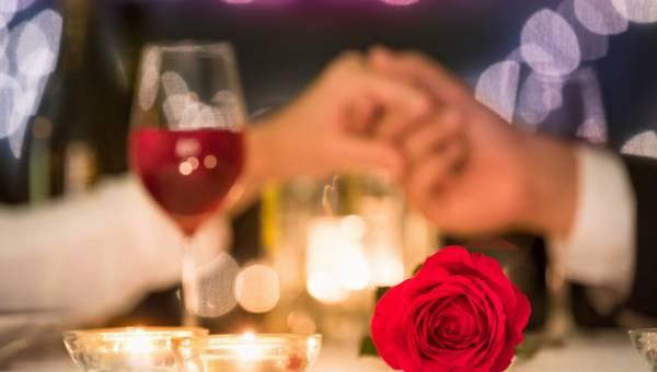 Walentynki – jak zorganizować romantyczną kolację dla dwojga?