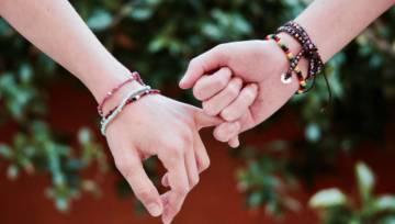 Talizmany na miłość dla singielek. Spotkaj swoją drugą połówkę przed Walentynkami