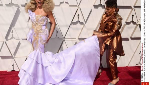 Najpiękniejsze i najdroższe sukienki wieczorowe gwiazd w historii!