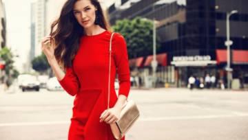 Jakie dobrać dodatki do czerwonej sukienki? Co z butami?