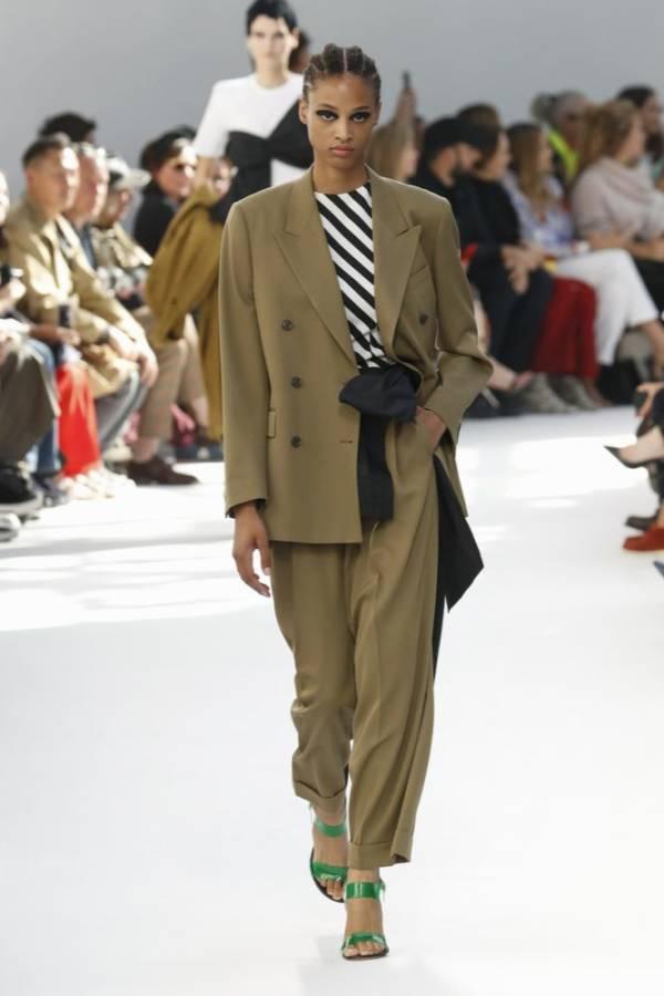 c0f76b1ee1c309 Jak nosić damski garnitur? Porady i zdjęcia, które wyjaśnią ...