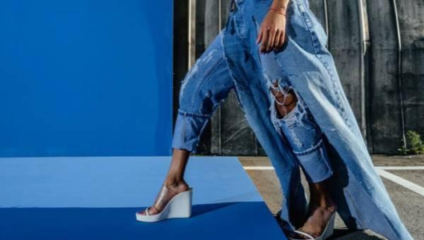 Jeans znów na topie. Co i jak w modzie na 2019 rok?