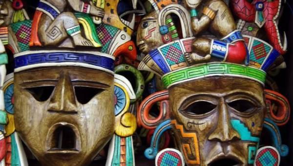 Maski dla aktorów i… rabusiów. Przedstawiamy artystyczną wizję kominiarek!