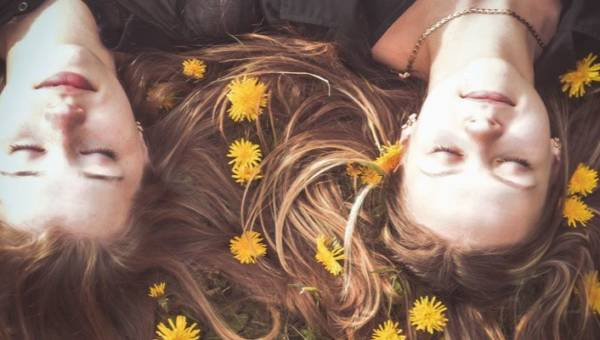 Perfumy do włosów – otul swoje kosmyki mgiełką wiosennego zapachu!