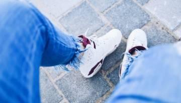 Jak wyczyścić buty? TOP 5 produktów, które sprawią, że twoje sneakersy odzyskają dawny blask na wiosnę