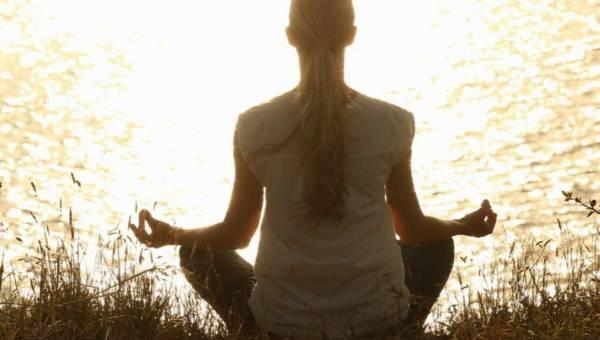 Zazen – uspokój myśli i bądź szczęśliwa. Tak jak robią to buddyjscy mnisi