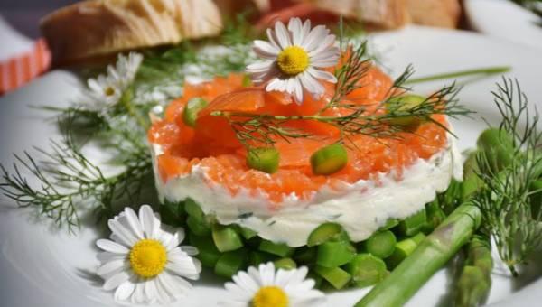 Co jeść podczas okresu? Produkty, które dodają sił podczas bolesnych miesiączek