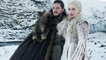 """Jest dzielną wojowniczką nie tylko w serialu! Daenerys z """"Gry o tron"""", czyli Emilia Clarke miała 2 operacje mózgu. Pokonała tętniaka"""