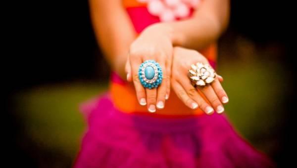 Jak zadbać o paznokcie i skórki na wiosnę? 7 zasad, które musisz poznać