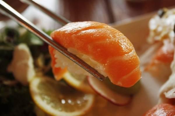 sushi warto jeść podczas okresu