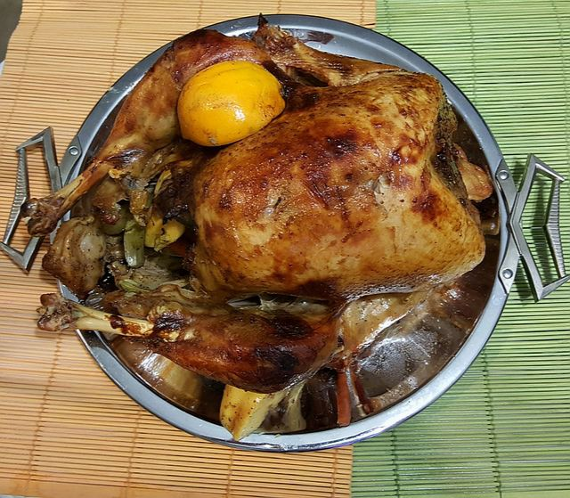 co jeść podczas okresu - mięso z indyka