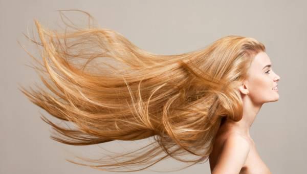 Masz długie włosy? Sprawdź, jak o nie dbać
