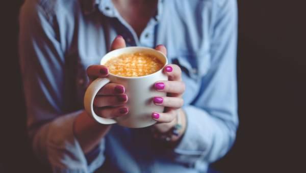 Latte z kurkumy – najnowszy trend w świecie kawoszy, który pokocha Twój organizm