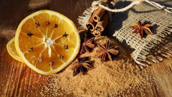 Naturalny zapach w domu. 4 inspiracje, które wprowadzą do wnętrz przyjemną atmosferę