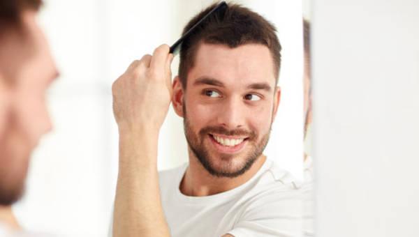 Transplantacja włosów to coraz modniejszy zabieg. Sprawdzamy, na czym polega i dlaczego warto go przeprowadzić