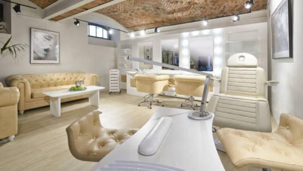 Zabiegi kosmetyczne w domu? Z własnym Beauty Roomem zawsze będziesz wyglądać jakbyś właśnie wróciła ze SPA!