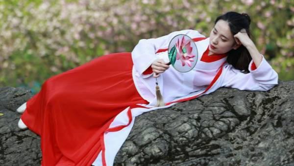 Pielęgnacja C Beauty. Czy fascynacja chińskimi rytuałami piękna wyprze trend na koreańskie tricki urodowe?