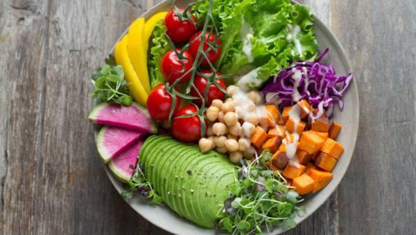 Jak wybrać najlepszy catering dietetyczny?
