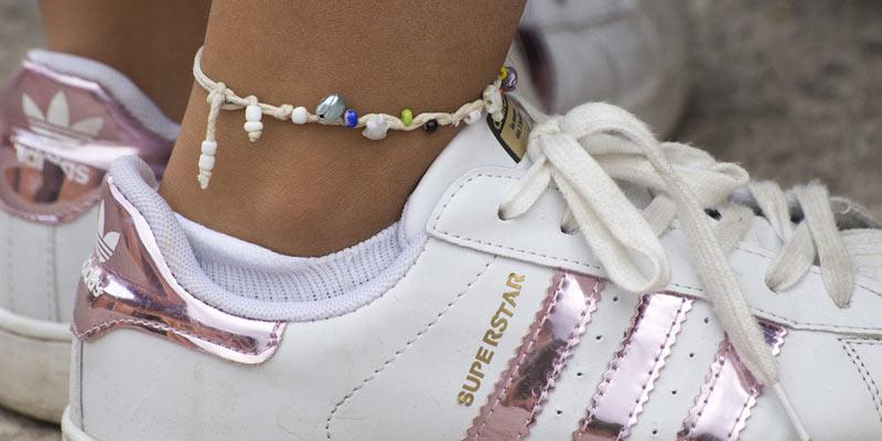 bransoletki na nogę
