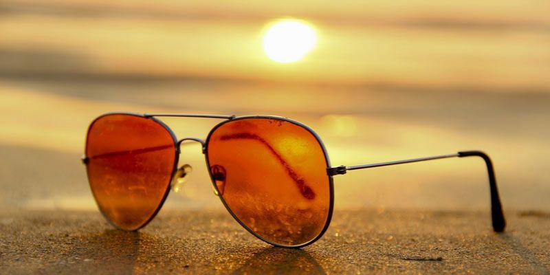 jak usunąć rysy z okularów