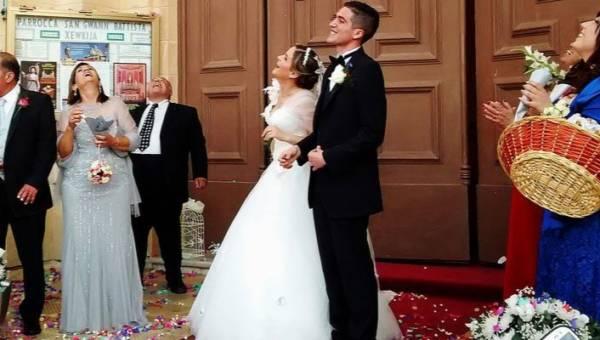 Prezenty dla rodziców, które wręczycie im w czasie wesela. 10 pomysłów – jak podziękować