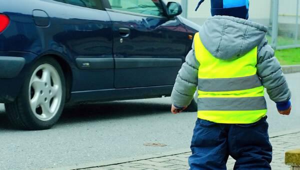 4 alternatywy dla kamizelek odblaskowych dla dzieci