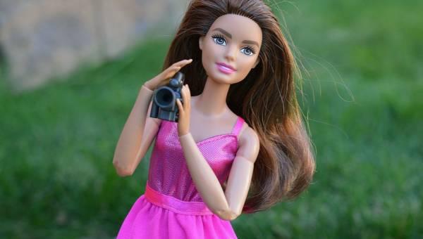 Znane Barbie – silne kobiety z całego świata jako lalki. Mamy chcą, aby ich córeczki czerpały właściwe wzorce