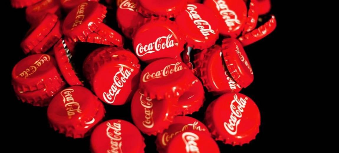 Coca Cola total look – streetwearowa marka KITH stworzyła kolekcję dla fanów najbardziej kultowego napoju świata