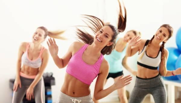 Zumba – co warto wiedzieć o tych rytmicznych ćwiczeniach?