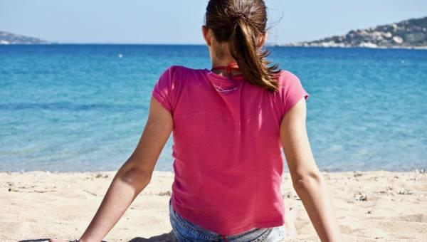 Magiczna moc piasku – pomaga myśleć pozytywnie i uspokaja umysł. Przywieź go w buteleczce znad morza!