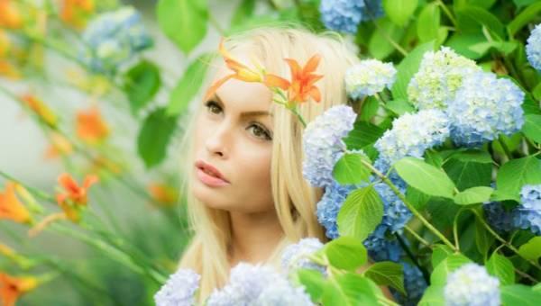 Kosmetyki z bakuchiolem – botanicznym rówieśnikiem retinolu. Jak działają?