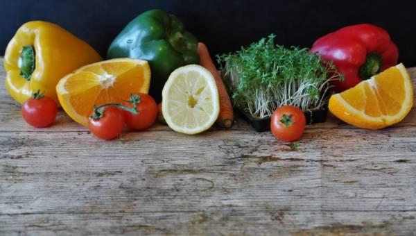 Świeże jedzenie w twojej kuchni na dłużej! Przedstawiamy 7 niezawodnych trików