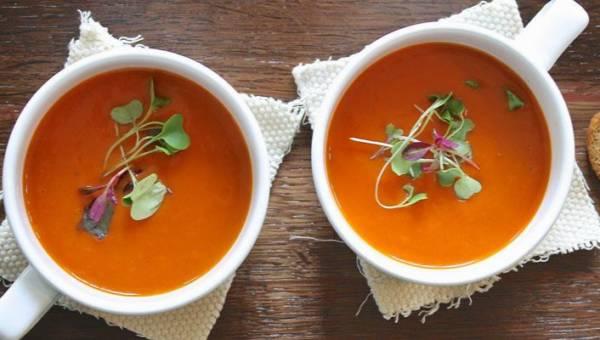 Starożytna zupa na stany zapalne: soczewic, kurkuma i jabłka