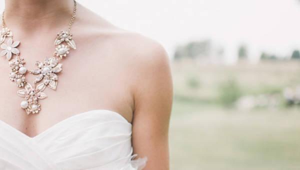 Jaką biżuterię wybrać na ślub – zainspiruj się i olśnij otoczenie