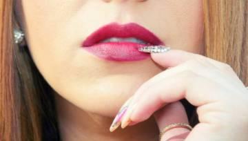 Czapeczki na paznokcie – prognozowany jesienny trend od instagramowej influencerki. Hit czy kit?