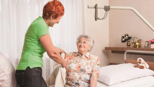 Szukasz pracy jako opiekunka osób starszych i nie wiesz od czego zacząć?  Sprawdź nasz prosty poradnik!