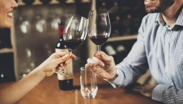 Jakie wino półsłodkie? Podpowiadamy jak wybrać ten trunek