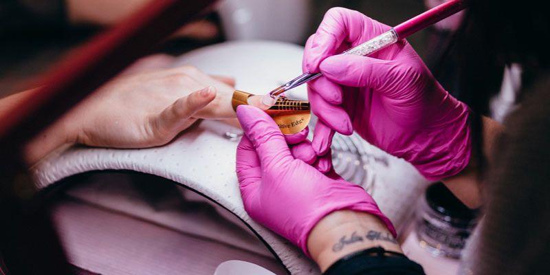 manicure z drutem