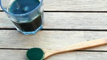 Spirulina – znana w starożytności, dzisiaj przeżywa prawdziwy renesans! Poznaj moc właściwości zielonego proszku