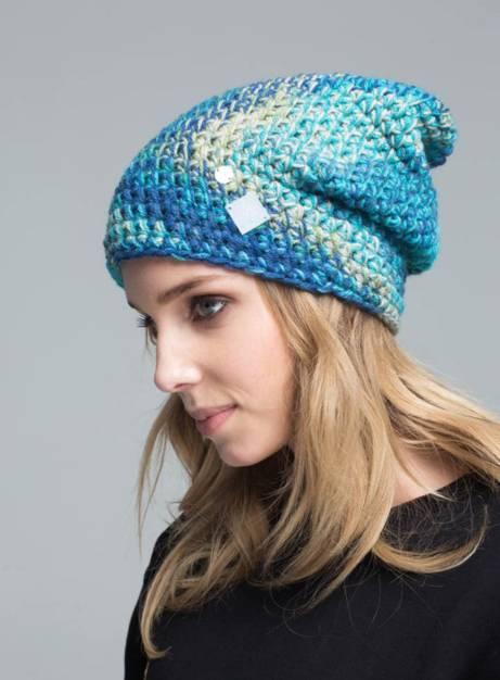 niebieska czapka