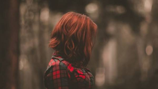 Jak ukryć duży nos dzięki odpowiedniej fryzurze – kilka pomocnych wskazówek