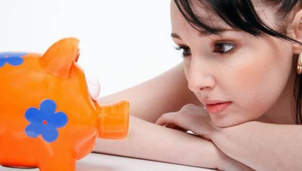 Jak wydać mniej na prezenty świąteczne – 10 sposobów, by nie ulec przedświątecznej gorączce zakupów