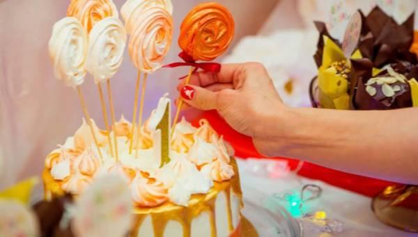 Dekoracje tortów urodzinowych dla dzieci – małe dzieła sztuki, które są ucztą nie tylko dla oczu, ale i dla podniebienia